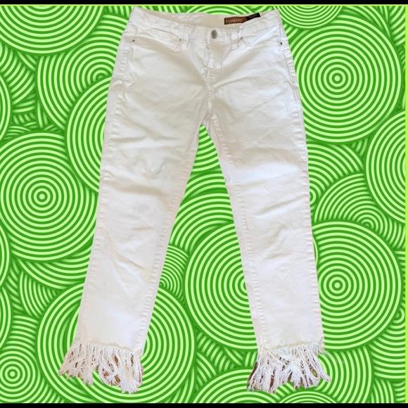 BLANK NYC white ankle fringe hemline jeans size 29